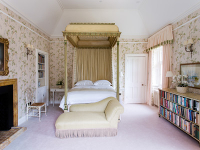 Stay at Abbotsford, Hope Scott Master Bedroom