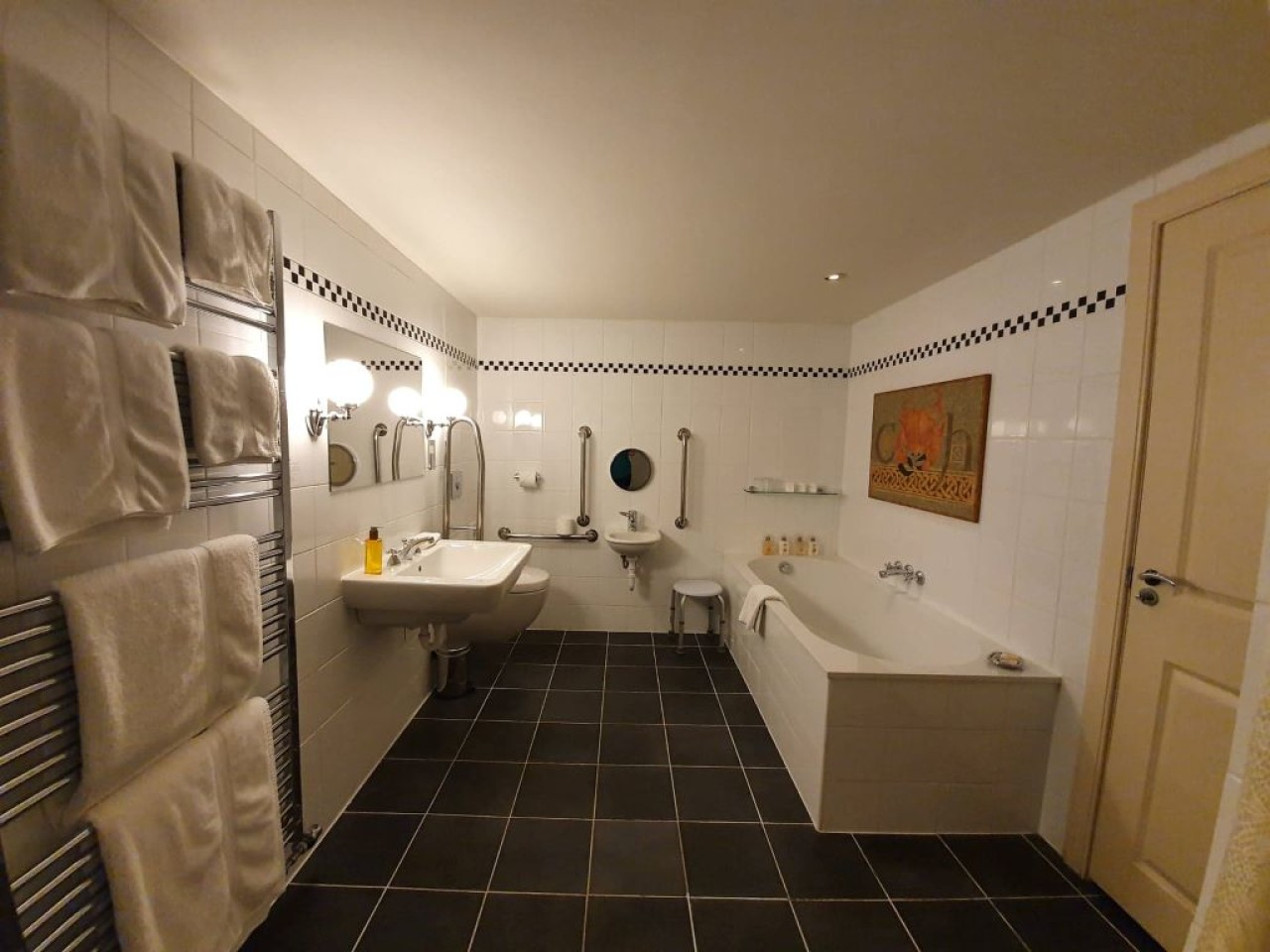 Sumardalr Bathroom