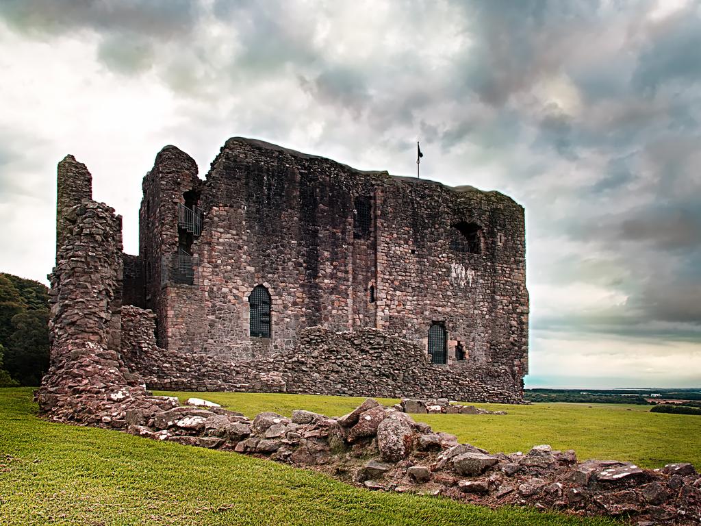 Activity Dundonald Castle