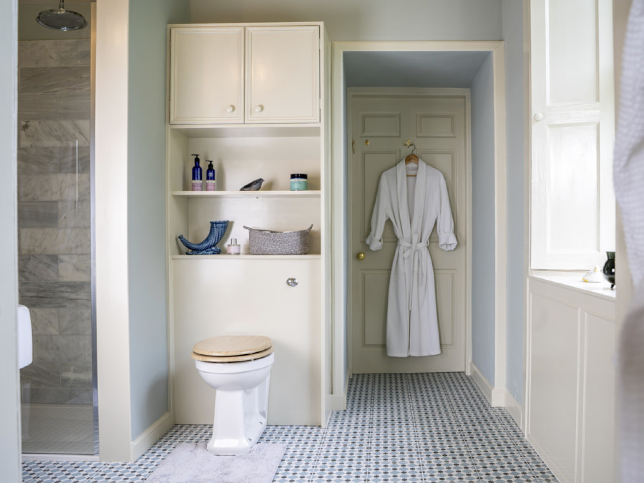 The Court View - bathroom