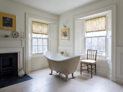 Stay at Abbotsford, Maxwell Scott bathroom