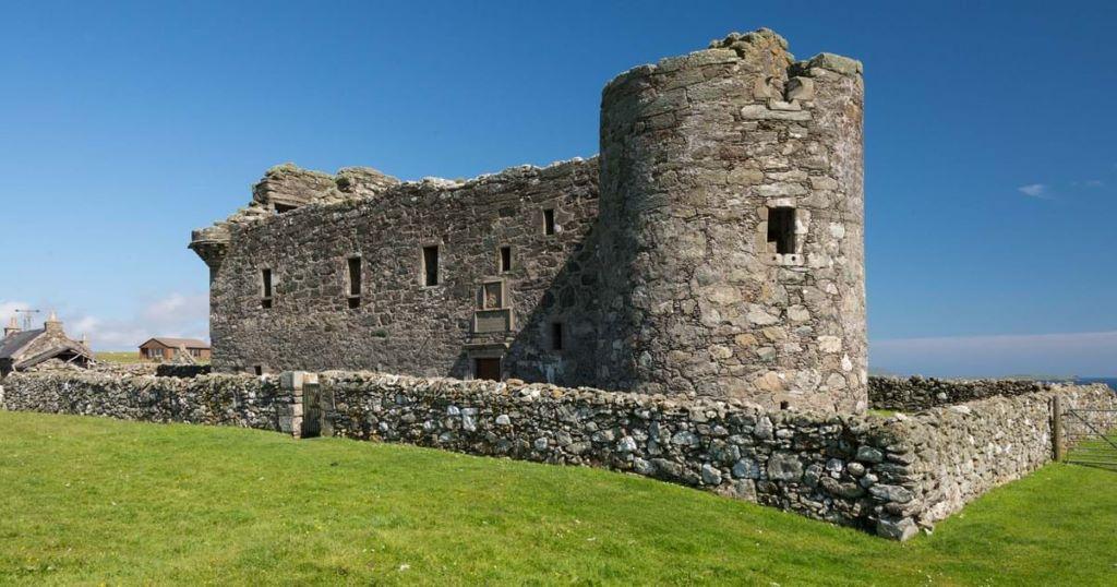 Activity Muness Castle