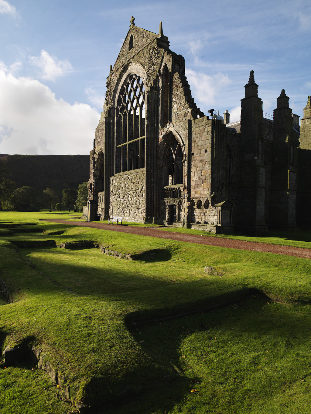 Activity Holyrood Abbey and Abbey Strand