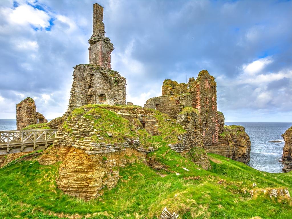 Activity Castle Sinclair Girnigoe