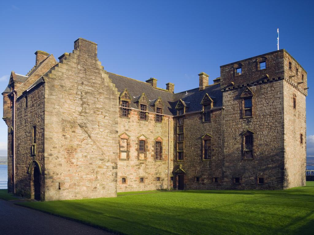 Activity Newark Castle