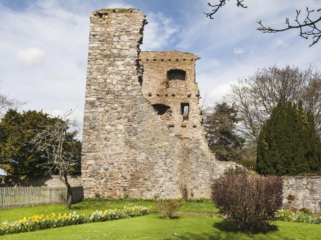 Activity Drumin Castle