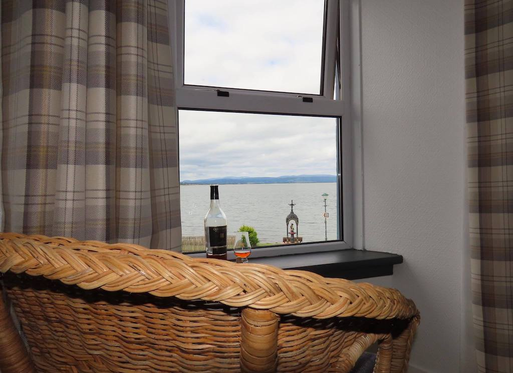 Morangie Room with Sea View