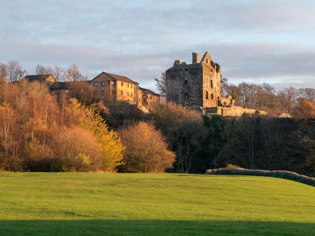 Activity Ravenscraig Castle