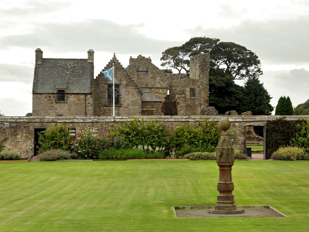 Activity Aberdour Castle and Garden