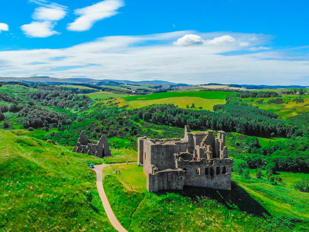 Activity Crichton Castle