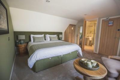 Port King size bedroom