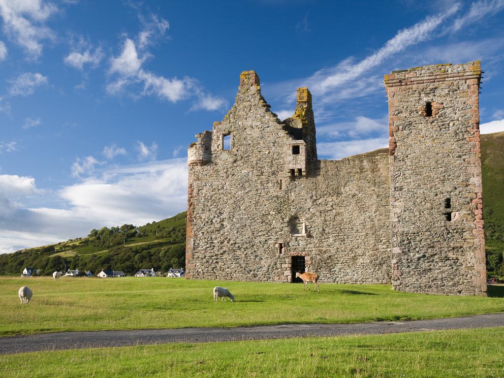 Activity Lochranza Castle