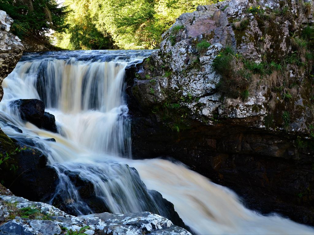 Activity Reekie Linn Waterfall