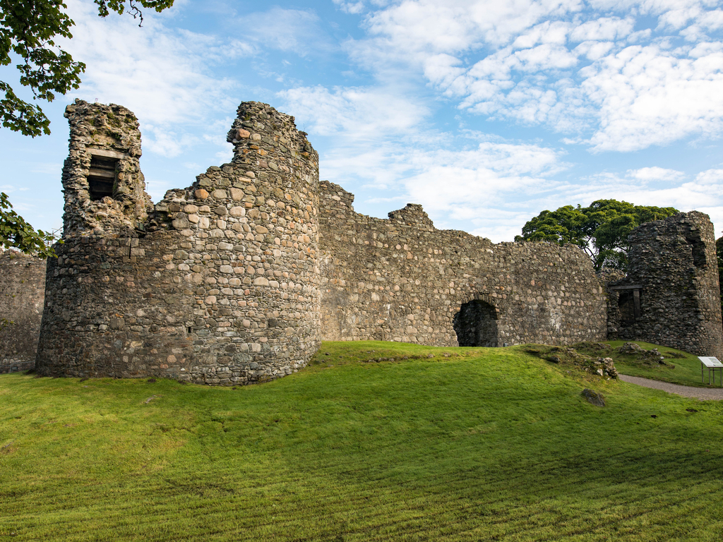 Activity Old Inverlochy Castle